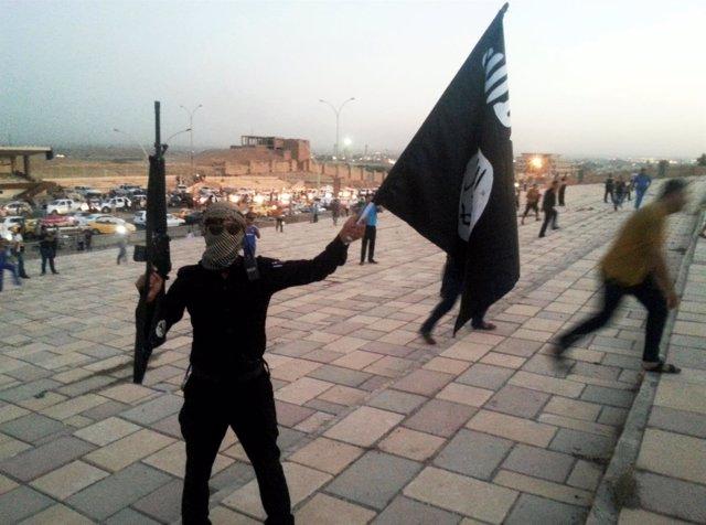 Combatiente del Estado Islámico de Irak y el Levante