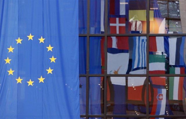Banderas en la sede de la Comisión Europea