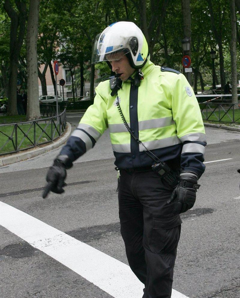 Una nueva unidad de Agentes de Movilidad comienza a trabajar a las 6.30 horas en puntos críticos para evitar atascos