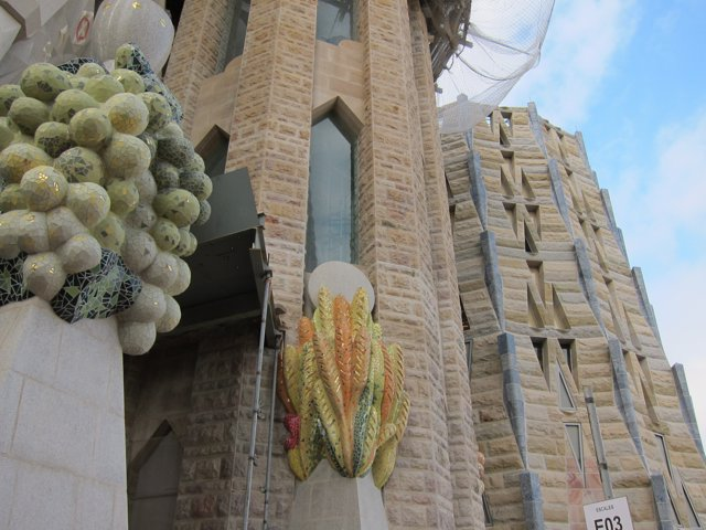 Detalle de la fachada de la basílica de la Sagrada Familia