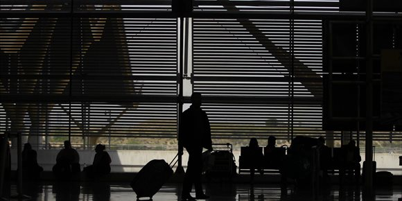 9. Detenido un hombre que robaba maletas que no recogían sus dueños de las cintas transportadoras del aeropuerto