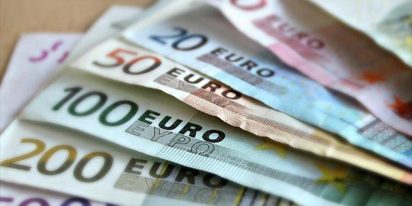 4. El dinero solo compra la felicidad hasta una cierta cantidad
