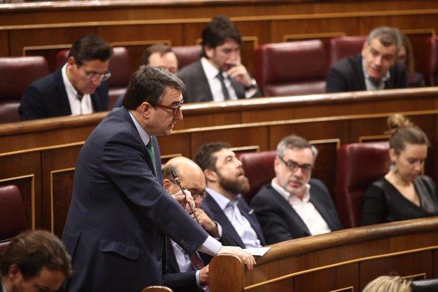 Aitor Esteban en la sesión de control al Gobierno en el Congreso