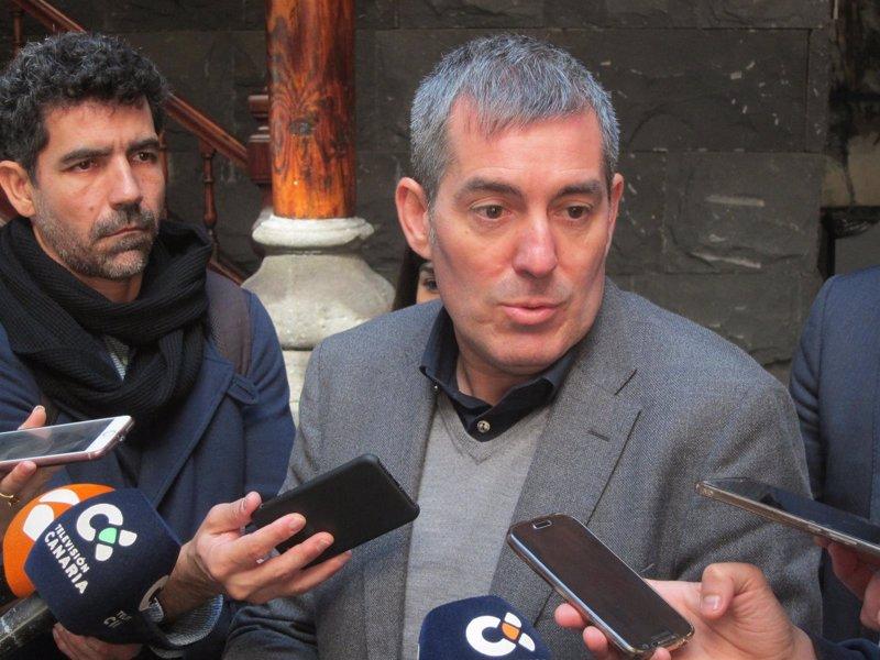 """Clavijo dice que el descuento para residentes es una """"línea roja"""" en el REF y pide """"coherencia"""" a los diputados del PP"""