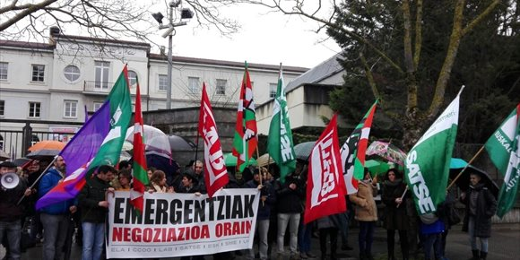 6. Trabajadores se concentran en Vitoria para reclamar a Emergencias de Osakidetza el impulso de un proceso negociador