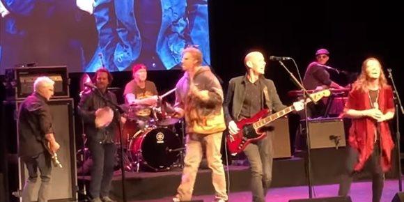 4. VÍDEO: Eddie Vedder, Will Ferrell, Chad Smith, Mike McCready, Josh Klinghoffer y Brandi Carlile versionan a Depeche Mode