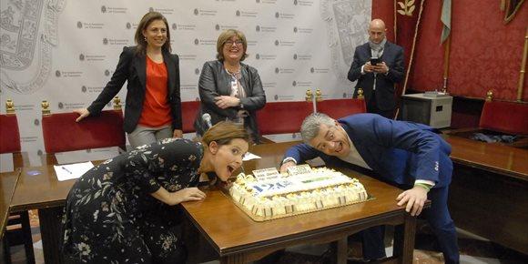 7. Preparan en Granada la tarta de piononos más grande del mundo, que tendrá más de 600 kilos de peso