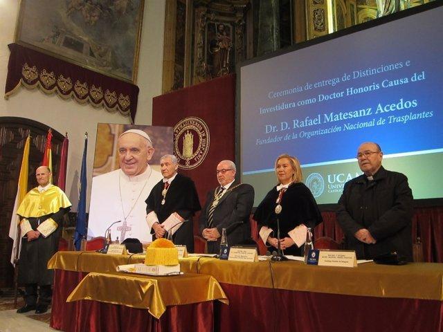 Inicio del acto de nombramiento Rafael Matesanz como Doctor Honoris Causa UCAM