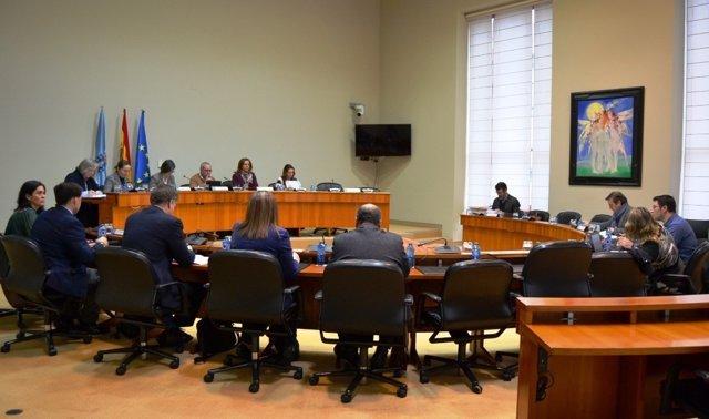 Reunión da comisión primeira no Parlamento de Galicia
