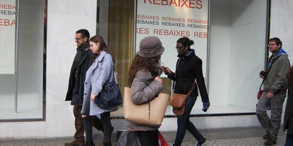 6. Economía destaca la aprobación del acuerdo de horarios y prevé que el primer domingo sin apertura sea el 25 de febrero