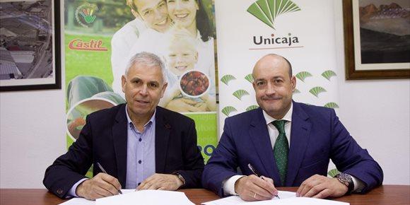 1. Unicaja Banco colabora con más de 500 agricultores de la cooperativa El Grupo de Granada