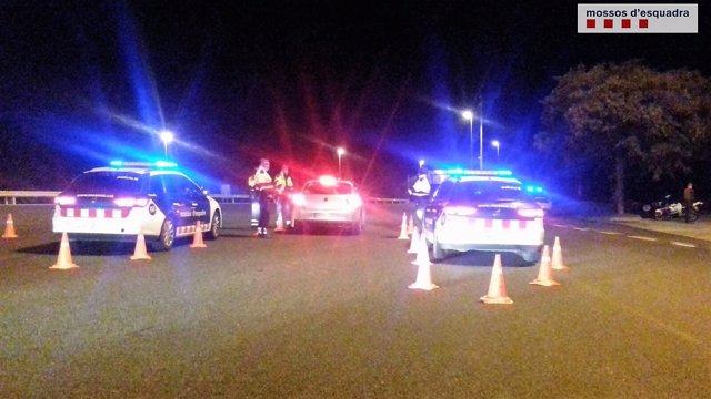 Control policial de Mossos d'Esquadra en el Carnaval de Sitges
