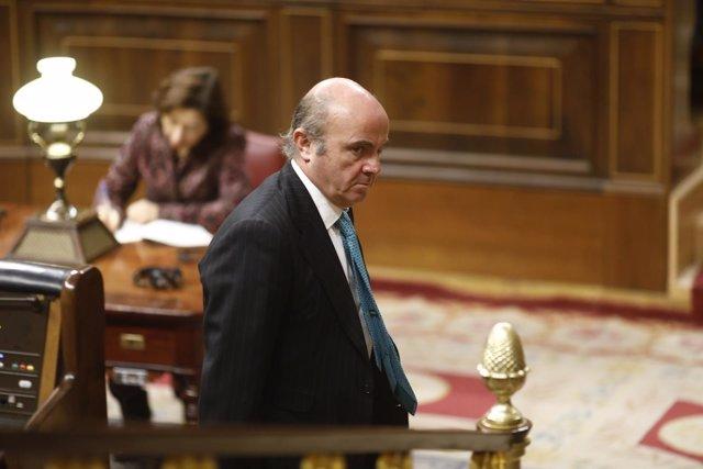 Luis de Guindos en la sesión de control al Gobierno en el Congreso