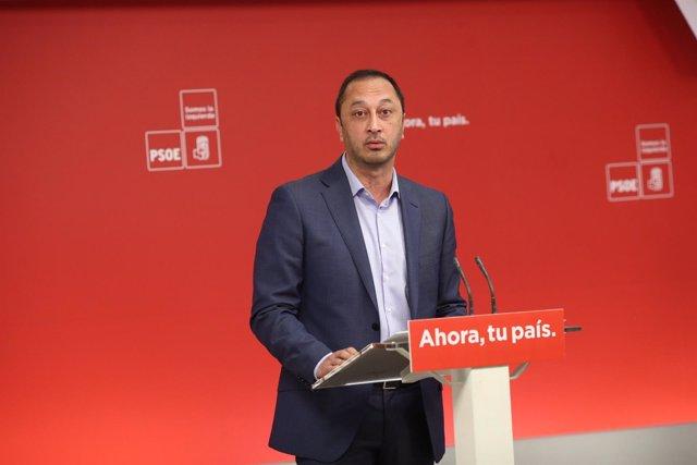 Rueda de prensa de Alfonso Rodríguez Gómez de Celis en la sede del PSOE