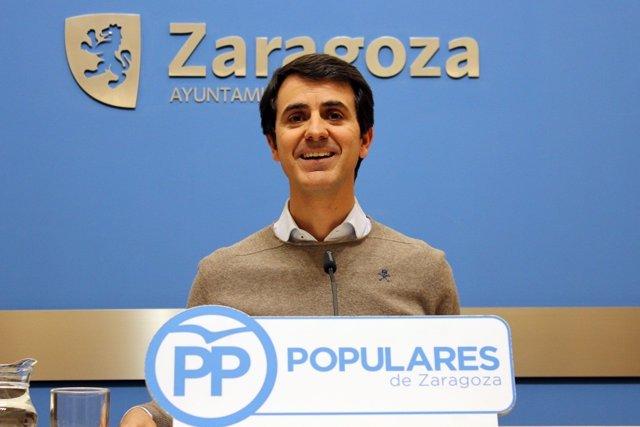 O concelleiro do PP, Pedro Navarro, este mércores en rolda de prensa