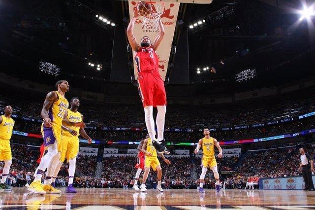 Mirotic machaca en el Los Angeles Lakers - New Orleans Pelicans