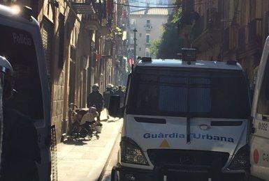 Desallotjada la finca del Raval de Barcelona ocupada aquest dimecres (Europa Press)