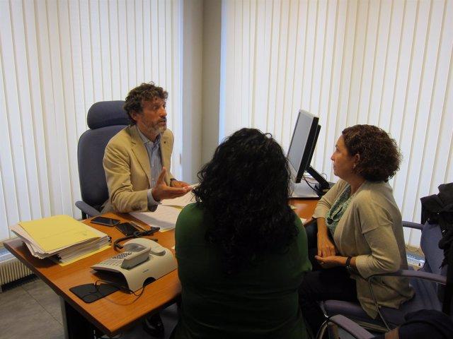 Matías Rodríguez Feito y  trabajadoras del ERA