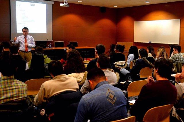 Charla financiera con alumnos de la UBU.