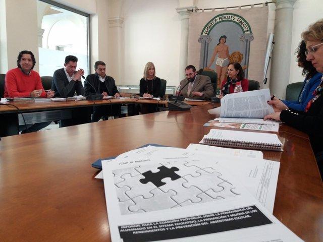 Reunión de la Comisión Provincial Contra el Absentismo Escolar