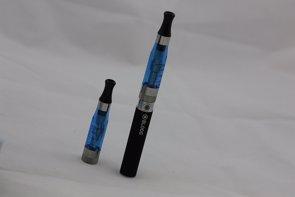 Sanidad desaconseja el uso de cigarrillos electrónicos y productos de tabaco sin combustión ante su riesgo para la salud (FLICKR)