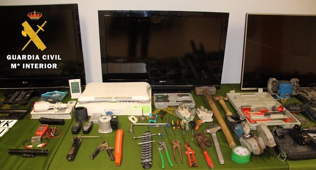Material recuperado en la 'Operación Mollo'.