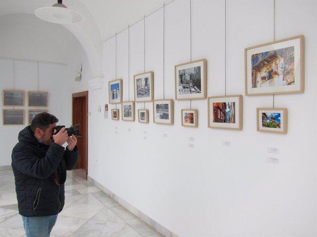 Exposición de fotografías en la Asamblea de Extremadura