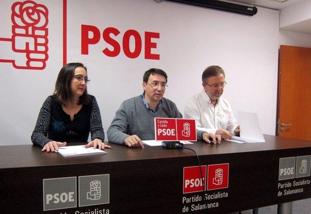 Los socialistas Inés Sánchez, Fernando Pablos y Fidel Francés en Salamanca