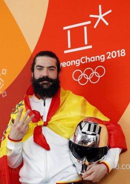 Regino Hernández, tercer medallista español en unos Juegos de invierno