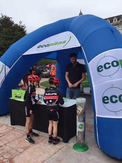 Ecopilas recogió 5.600 kilos de pilas en 14 eventos deportivos durante 2017 y renueva su acuerdo con la Vuelta a España