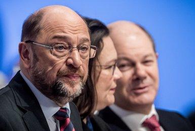 La popularitat de l'SPD es desploma després de l'acord amb Merkel per reeditar la 'gran coalició' (MICHAEL KAPPELER/DPA)