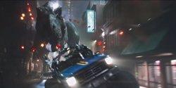 Un T-Rex se cuela en el brutal tráiler final de Ready Player One (WARNER BROS.)