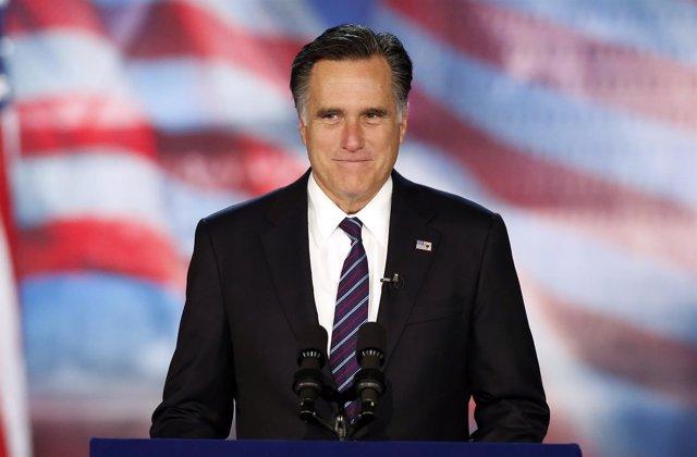 Mitt Romney reconociendo su derrota