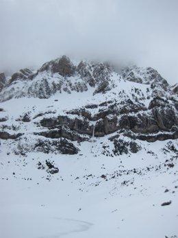 Alud en Peña Telera Pirineo oscense