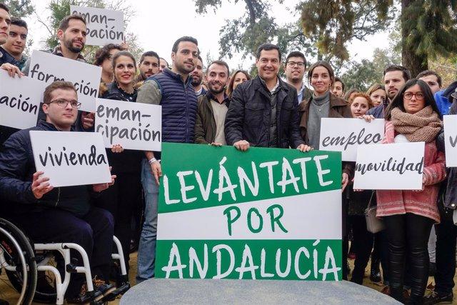 Juanma Moreno, con Nuevas Generaciones de Andalucía.