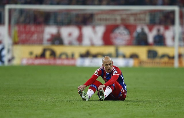 Arjen Robben en el momento de su lesión