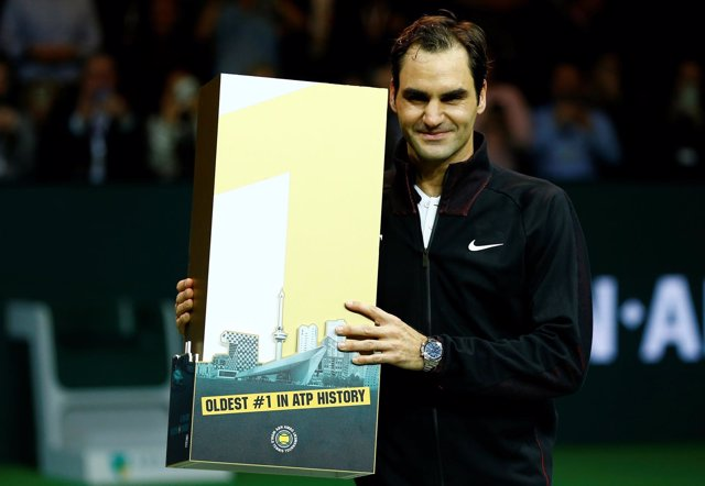 Roger Federer celebra el número 1 de la ATP
