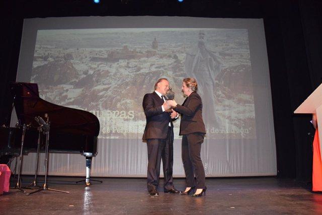 Pedro Piqueras recibe en Guadix el premio de periodismo Pedro Antonio de Alarcón