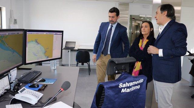 Visita a Salvamento Marítimo de la subdelegada del Gobierno en Huelva