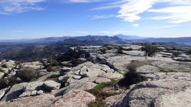 Torcal Antequera turismo rural málaga provincia turistas viaje naturaleza