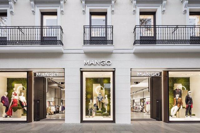 Tienda de Mango en calle Serrano