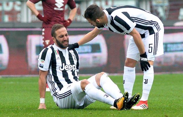 Higuaín se lesiona con la Juventus