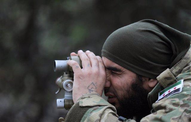 Combatiente del ELS, grupo rebelde sirio apoyado por Turquía