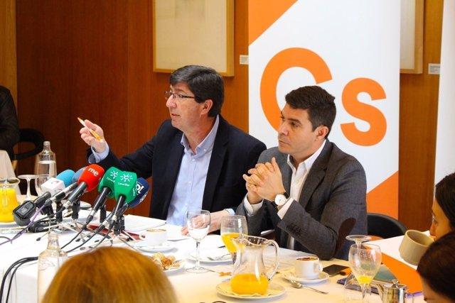 Juan Marín y Sergio Romero en un desayuno informativo en Sevilla