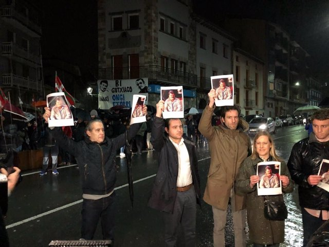 Dirigentes del PP vasco denuncian en Andoain el homenaje a etarras
