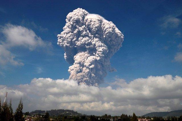 Erupción del volcán Sinabung