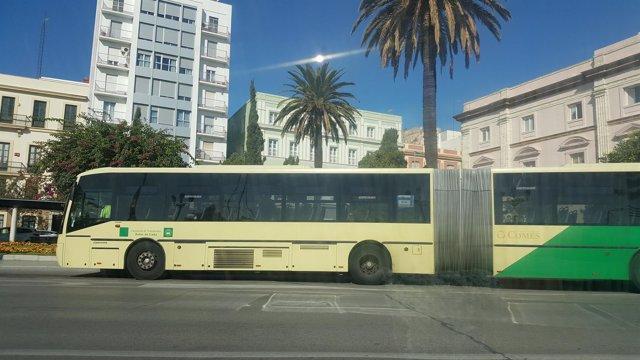 Autobus interurbano en Cádiz