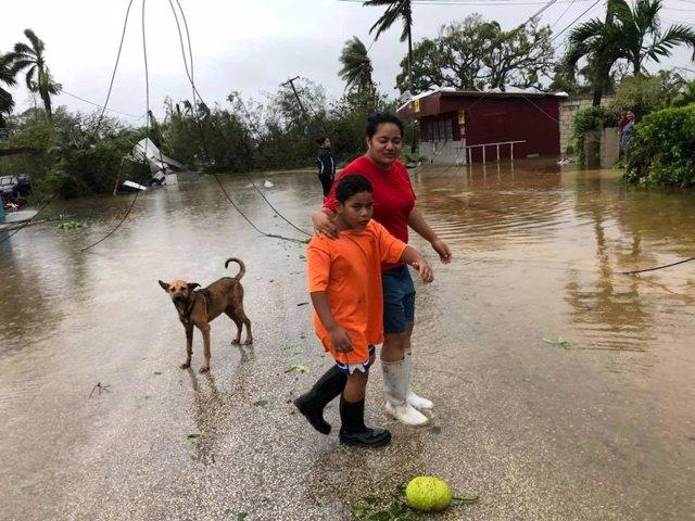 Daños causados por el ciclón 'Gita' en Nuku'alofa, Tonga.