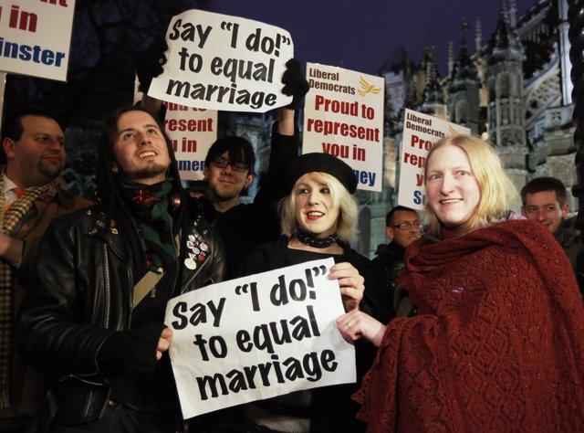 El Parlamento británico aprueba por amplia mayoría el matrimonio homosexual