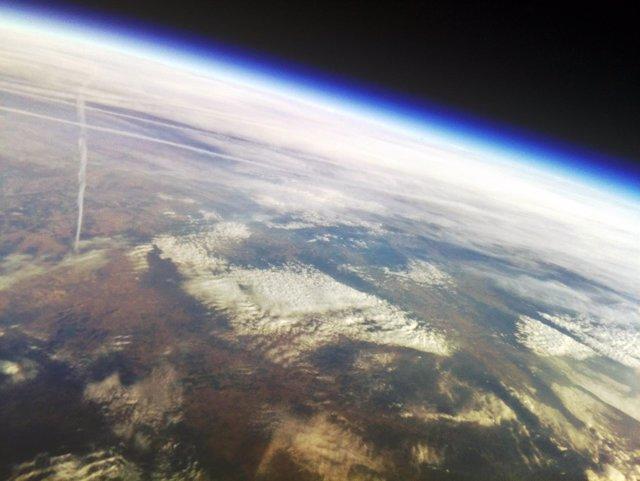 Imagen tomada desde la estratosfera por el globo sonda Servet I)